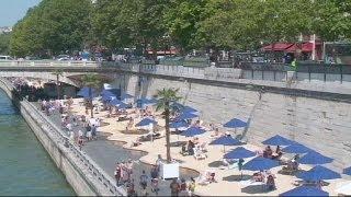 حمامات شواطئ نهر السين الباريسية تتحول إلى فعاليات متنوعة