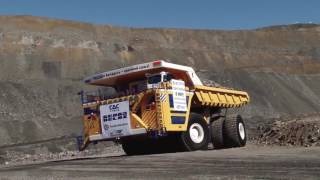 World s Largest Truck in Action   Extreme Mining Dump Truck BelAZ-75710