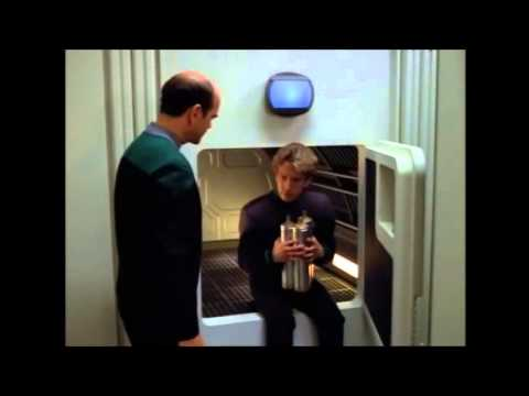 Star Trek: Voyager S04E14 Message in a Bottle - EMH Mark2 (Andy Dick) tries to enter Jefferies Tube