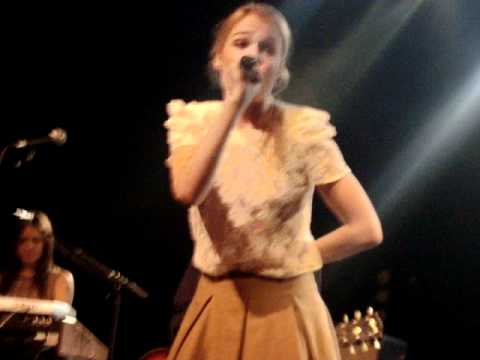 Florrie @ Lyon - She Always Gets What She Wants
