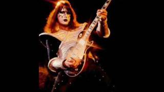 Watch Ace Frehley Back On The Streets video