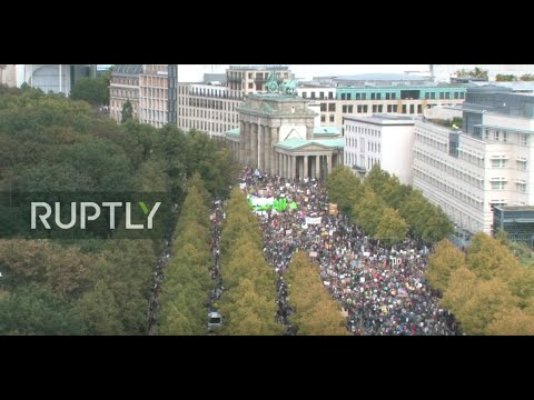 : Climate strike takes place in Berlin