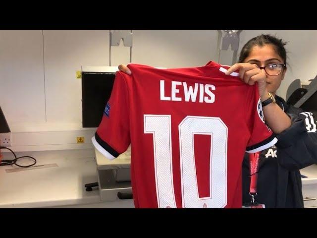 Manchester United Megastore and Shirt Printing | 12.08.2017