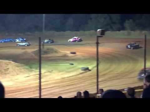 Stingers dirt track racing. Southern Raceway