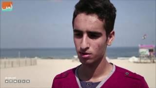 بالفيديو.. رياضة المزلاجات تغزو شواطئ غزة