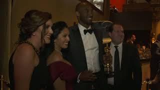 Kobe Bryant with Oscar at Governor's Balls - Oscars 2018