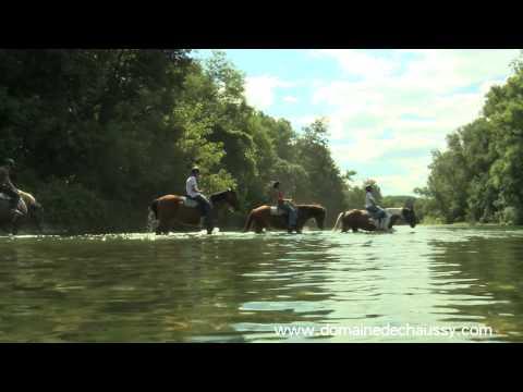 """Ardèche outdoor sud France Domaine de Chaussy """"traversée des 3 rivières à cheval"""""""