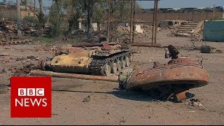 Inside Shaddadi - former IS stronghold - BBC News