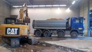 CAT 315D loading SCANIA R420