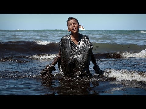 video: Brazil deploys 5,000 troops as fury mounts at inaction over worst oil spill in country's history