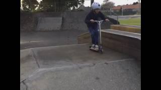 VLH scootering at Levin skatepark