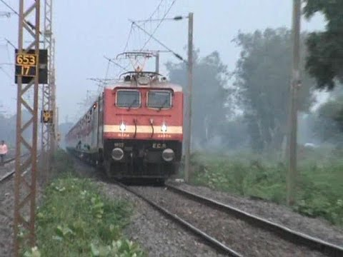 Very High Speed Action By Gaya-New Delhi Mahabodhi Express With Pure LHB Rakes.
