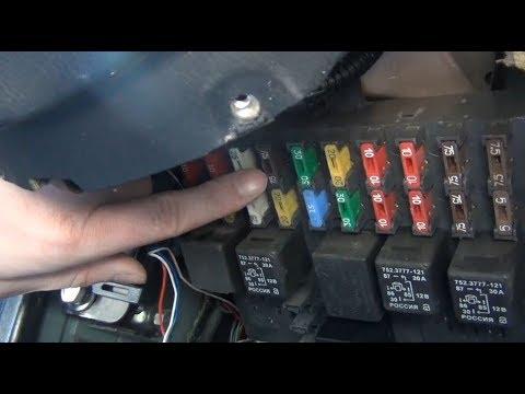 Замена предохранителя №13 стоп сигналов, освещения салона, check сигнала на Шевроле Нива.