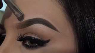 Repeat youtube video How I Fill In My Eyebrows