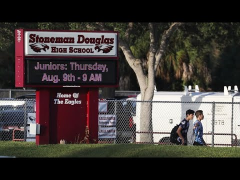 Some students say they still feel unsafe as new school year starts at Marjory Stoneman Douglas Hi…