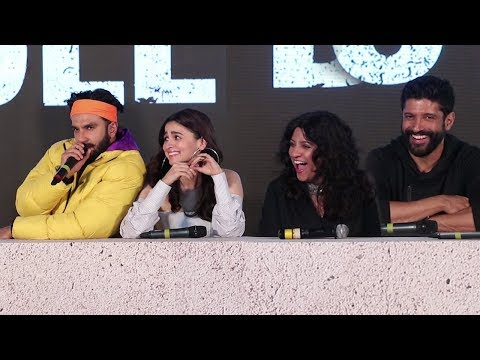 Ranveer Singh & Alia Bhatt FUNNY MOMENTS At Gully Boy Trailer Launch