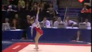 Sandra Izbasa 2006 Worlds EF Floor