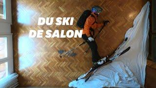 En plein confinement, ce Barcelonais fait du ski freeride au milieu de son salon