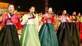 Arirang sung by Ri Kyong Suk - 리경숙