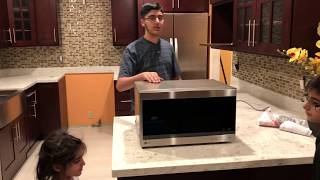 1.5 Cu. LG Microwave Unboxing and Review. Does it cook?