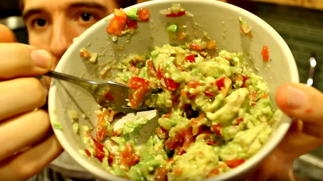 How to Make Guacamole for One