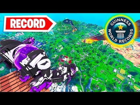 RAGGIUNGIAMO la MASSIMA ALTEZZA CON il *NUOVO ROBOT* DI FORTNITE!! World Record