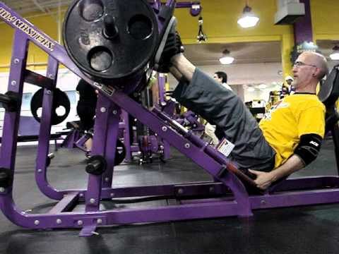 planet fitness squat machine