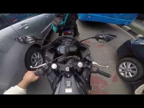Yamaha R25 - Through The Streets of Jakarta
