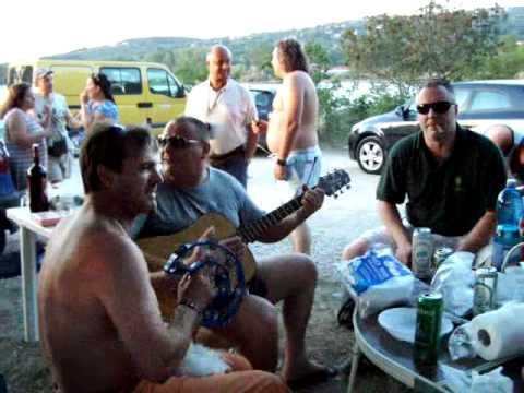 canzoni triestine sporche EL TORERO MANOLITO on the beach