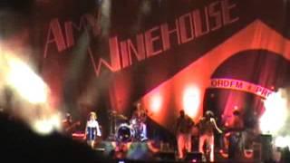 Amy Winehouse - Rehab (Live in São Paulo)