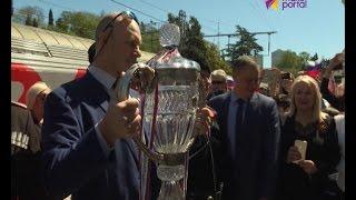 В Сочи встретили главный футбольный трофей страны