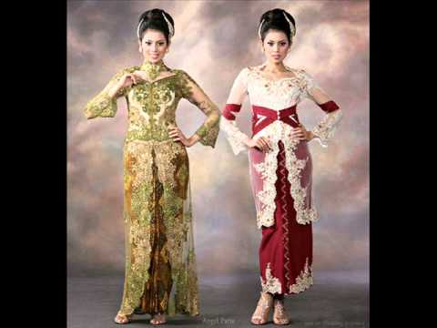 the beauty of  kebaya ( indonesian traditional dress).wmv