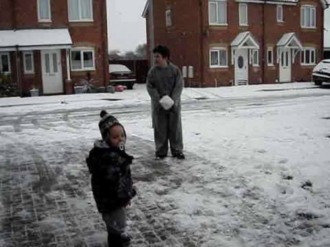 basildon twins making a snow man
