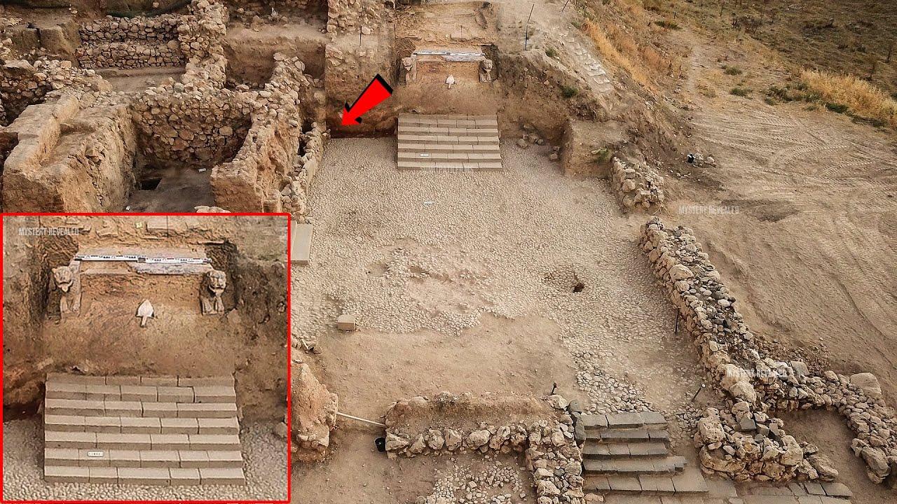अफगानिस्तान में खुदाई में मिला महाभारतकालीन सिंहासन   सच को दफनाया जा सकता है छिपाया नहीं जा सकता...