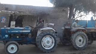 Tractor Tochen, best tractor stunt ford 3600 vs fiat 480 punjab tractor pakistan