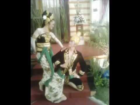 Leaving On A Jet Plane - Sundanese Keroncong version(Trie Utami,Orkes Sinten Remen)