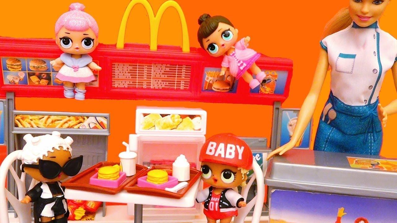 Bebes LOL van a McDonald\'s y salón de belleza   Muñecas y juguetes ...