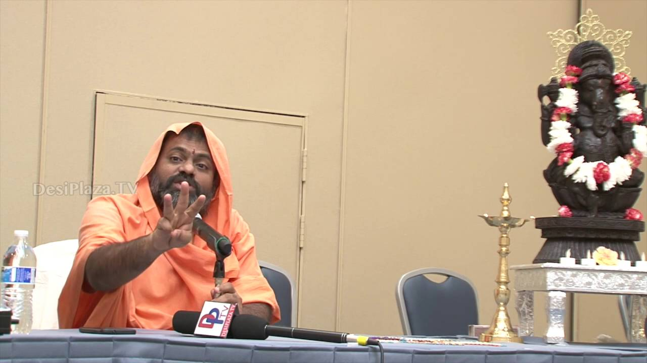 Sri.Paripurnanada Swami giving Pravachanam at ATA Convention,Chicago.