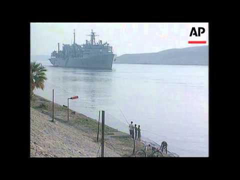 Egypt - US aircraft carrier through Suez Canal