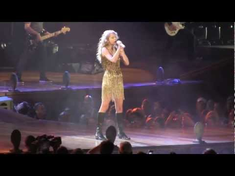 Taylor Swift Sparks Fly In Chicago 08/09/2011 [HD]