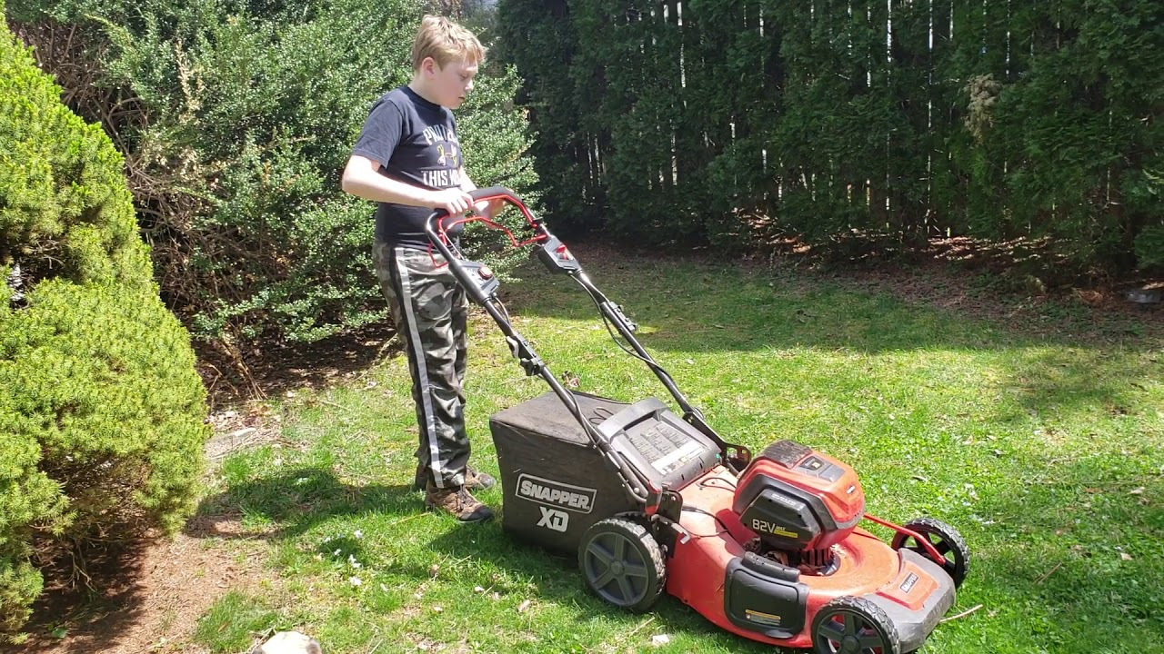 Snapper XD 21 in  82-Volt Battery Power Self Propelled Walk Behind Lawn  Mower - Two 2 0 Ah Batteries/Charger Included