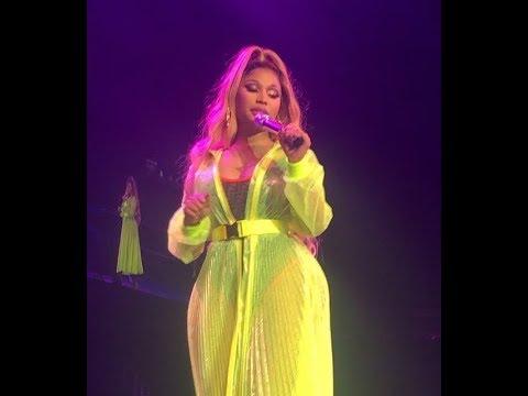 Nicki Minaj - LLC (Perform in Nicki World Tour #NickiWrldTour Greenwich, Londres 2019)