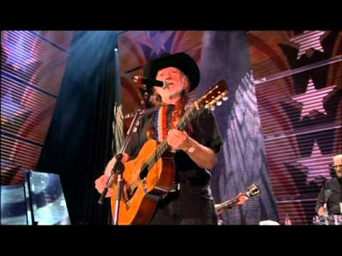 Willie Nelson - Good Hearted Woman (Live at Farm Aid 2003)