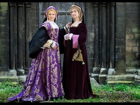Dressing up a Tudor lady