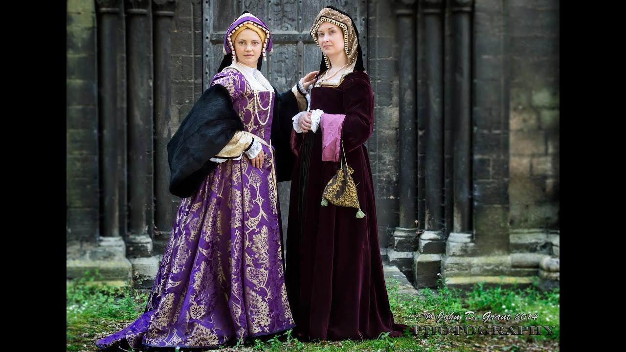 Dressing up a Tudor lady - YouTube b1f5110ef