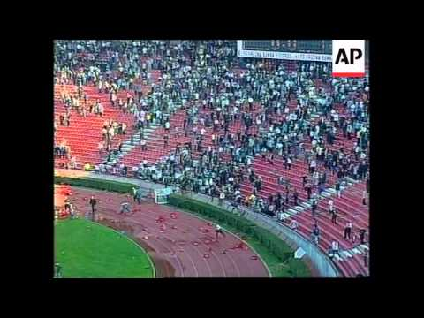 YUGOSLAVIA: BRAWL DURING BELGRADE SOCCER MATCH - YouTube