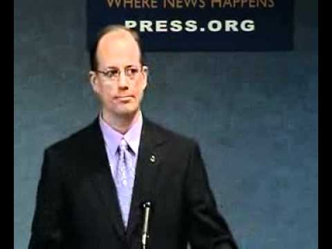 Thomas Drake, NSA whistleblower on charges of espionage: Dissent has become mark of a traitor 1 of 2