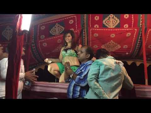 Chamake cham chamke angoori badan ( bhojpuri hot arkestra )