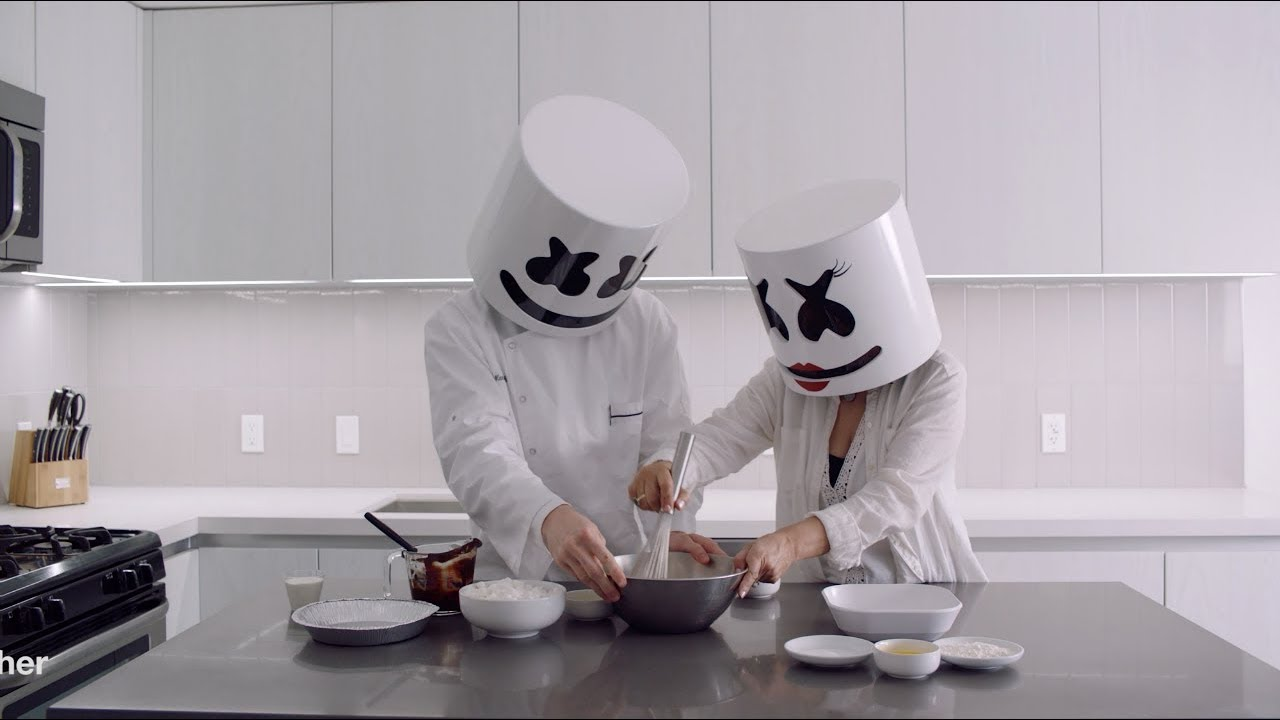 Cooking with Marshmello: How To Make Chocolate Marshmello Pie (Mother's Day Edition)