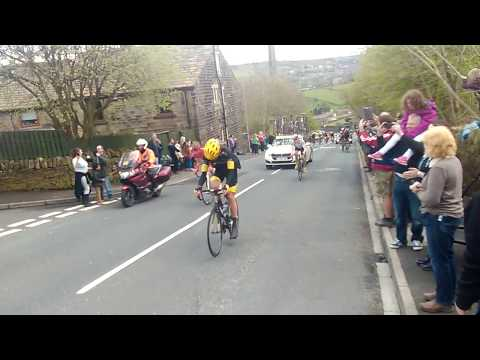 Tour de Yorkshire going up into Oakworth